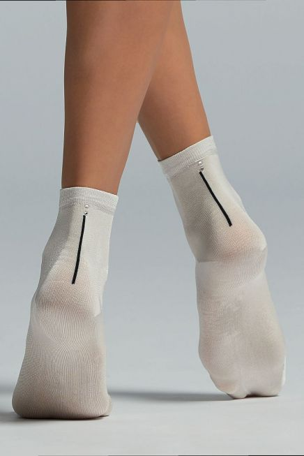 CZ CASSIOPEA WOMAN VISCOSE SOCKS WITH VERTICAL STRIPE AND DIAMONDS AT BACK